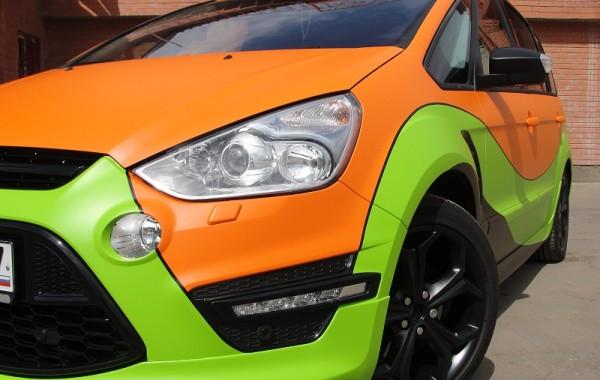 Ford S-Max оклейка салатовой и оранжевой матовыми пленками
